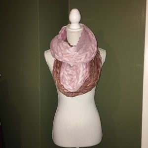 The most amazing sparkly ombré scarf you'll ever..